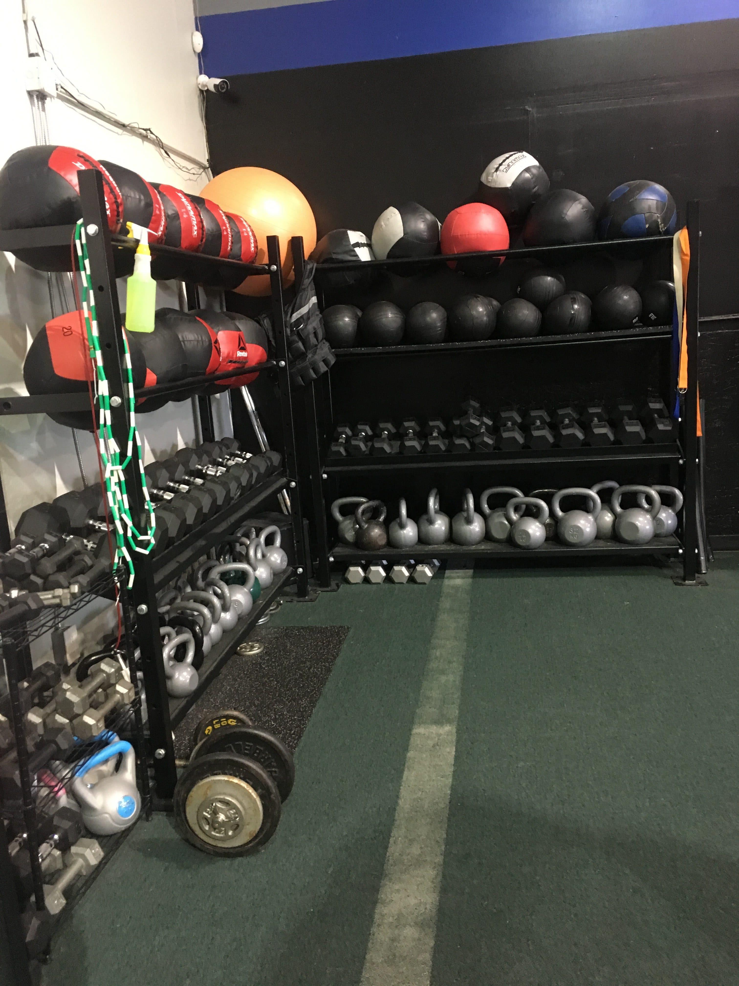 CrossFit FYR - Barbell rack